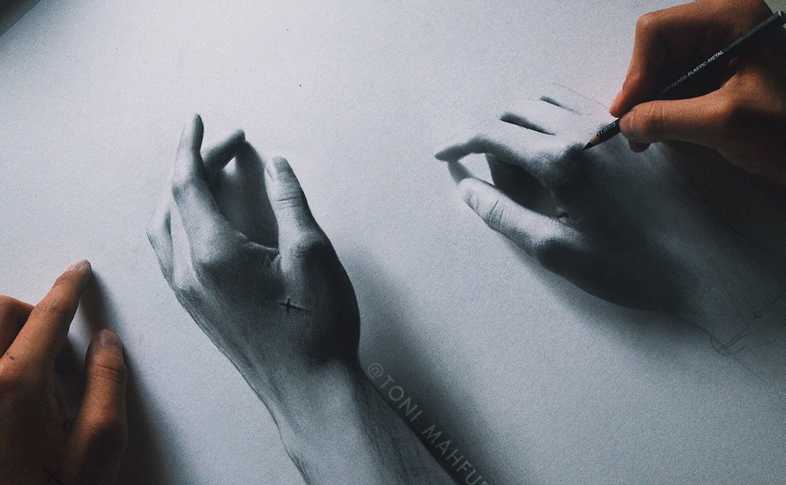 MY_HANDS_ARTWORK_DRAWING_TONI_MAHFUD_WEB_01
